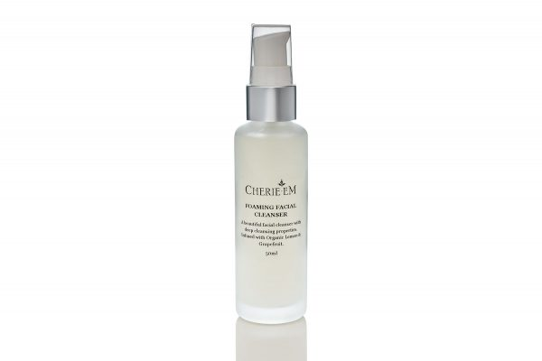 All natural foaming facial cleanser made from lemon and grapefruit, 50ml.